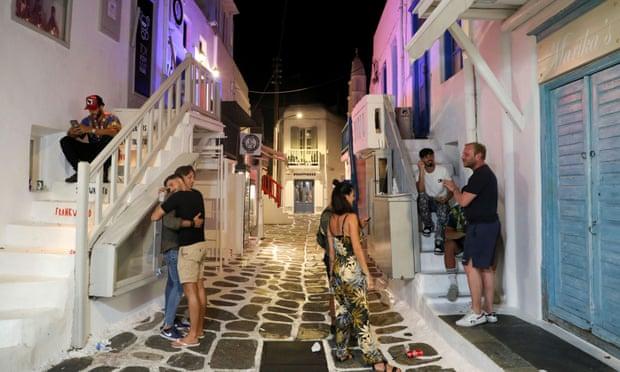 Përhapja e variantit Delta, Greqia rrezikon mbylljen e ishujve turistikë