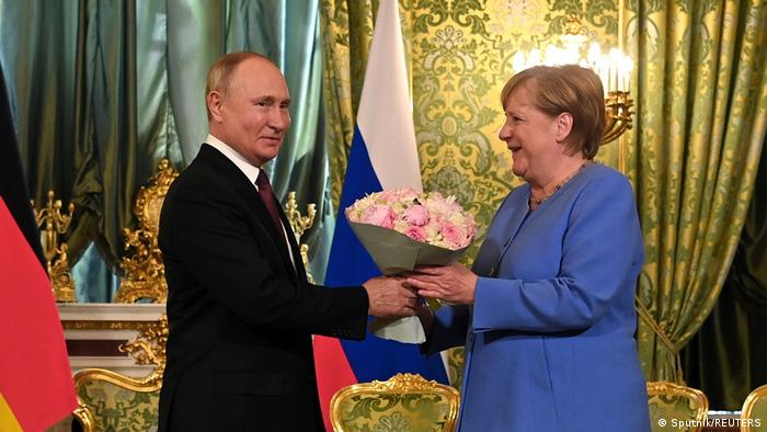 Merkel: I kam kërkuar Putinit lirimin e Navalnit