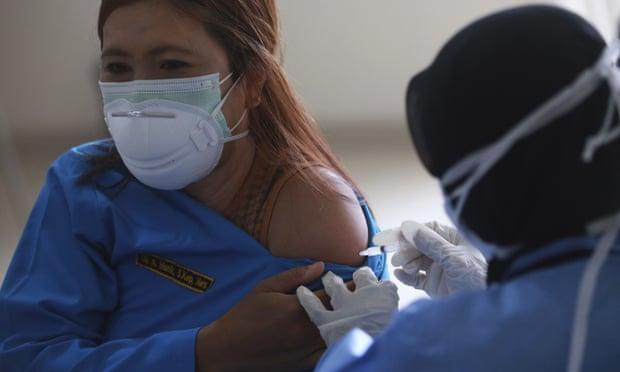 Indonezia shënon mbi 100,000 viktima nga koronavirusi që nga fillimi i pandemisë