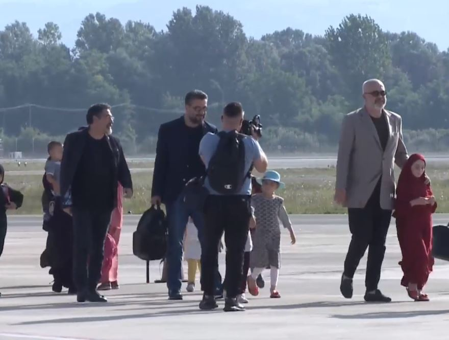 Riatdhesohen 14 fëmijë dhe 5 gra shqiptare nga kampi i ferrit Al Howl