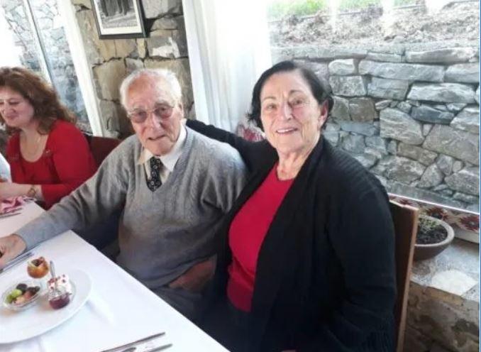 Vajza hebreje kthehet pas 74 vitesh në Shkodër të takojë familjen që e shpëtoi