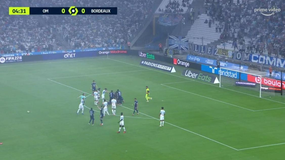 Ankth në Ligue 1, futbollisti i Bordeaux rrëzohet në fushë dhe i tremb të gjithë