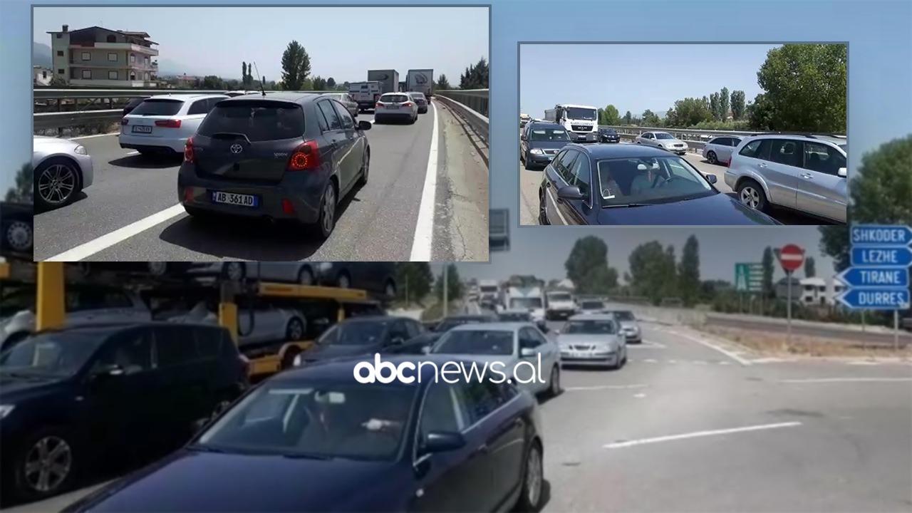 Radhë të gjata makinat, trafik i rënduar në aksin Thumanë-Fushë Krujë