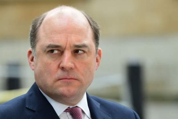 Ministri britanik: Pushtimi i Afganistanit nga talebanët është turp për Perëndimin