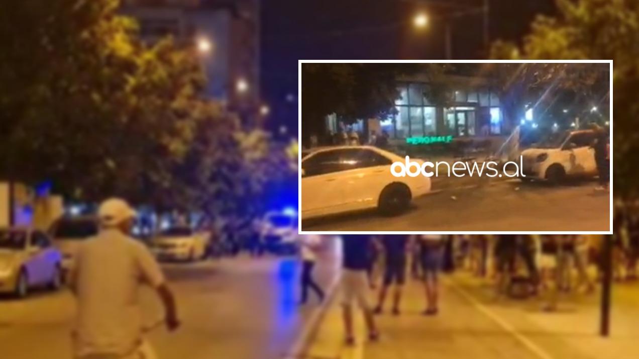 """Vritet pronari i """"Bar Pedonale"""" në Lushnje, disa të plagosur dërgohen në spital"""