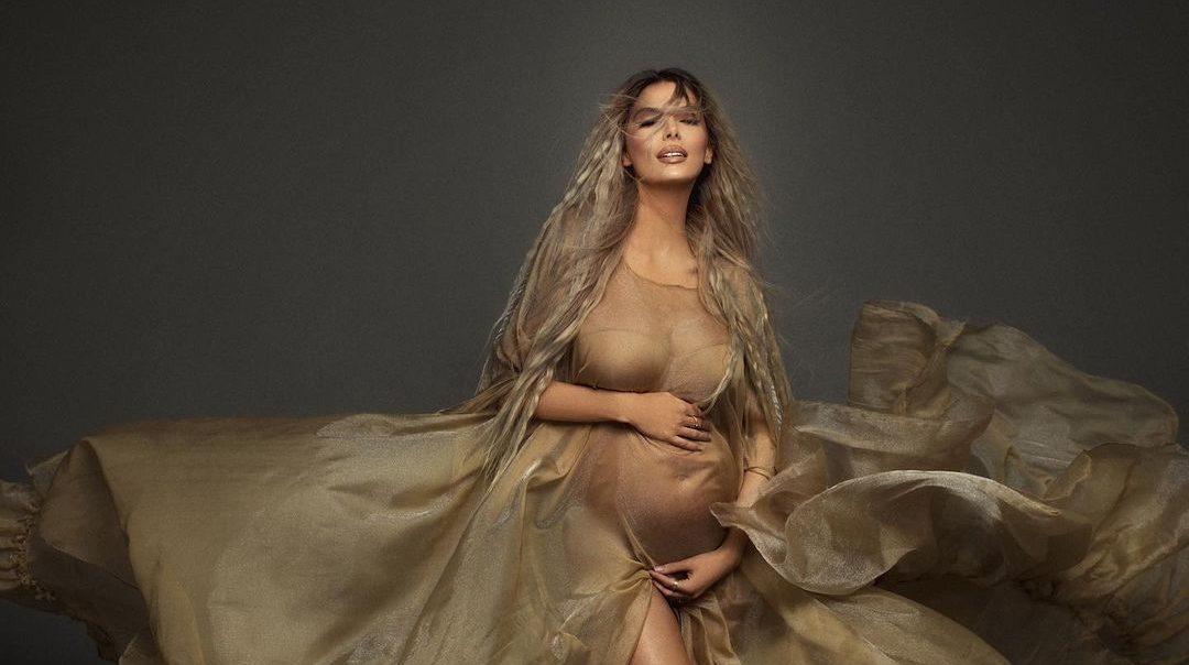 Me fotot e ëmbla nga Dubai, Marina Vjollca konfirmon gjininë e fëmijës?