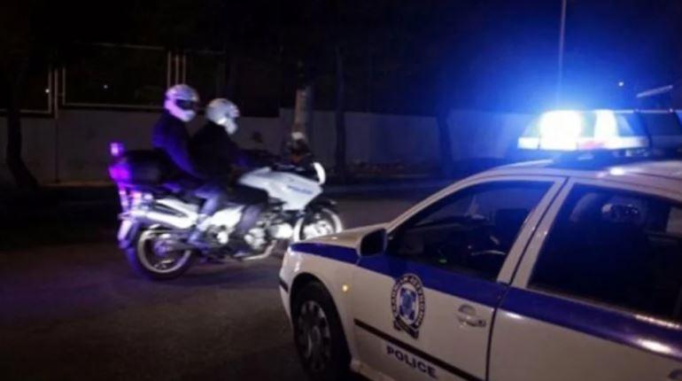 Grabiti dhe ngacmoi seksualisht turistet suedeze, arrestohet shqiptari në Greqi