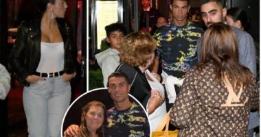 Pas rikthimit të mahnitshëm te Man United, Ronaldo konsumon një darkë me familjen (FOTO LAJM)