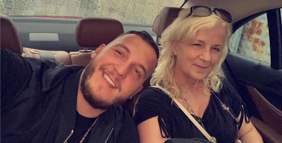 Mozzik uron të ëmën për ditëlindje me fjalët që të ngrohin zemrën