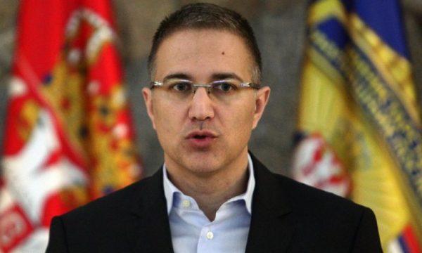 Ministri i serb i Mbrojtjes: Ushtria s'ka hyrë aty ky nuk duhet