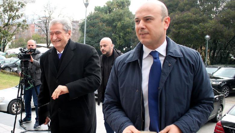 Basha e përjashtoi, reagon dhëndri i Berishës: Hero i demokracisë, burri më i ndershëm në vend