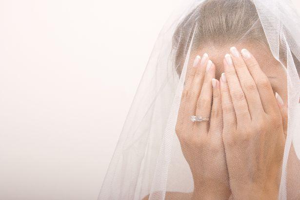Vjehrra përpiqet të helmojë nusen në ditën e saj të dasmës