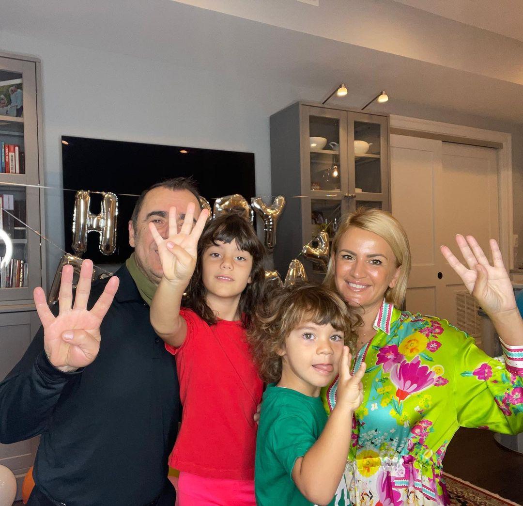 Jeta e re në SHBA, Ilva Tare feston ditëlindjen e të birit, Eduart Selami i bashkohet në foton familjare