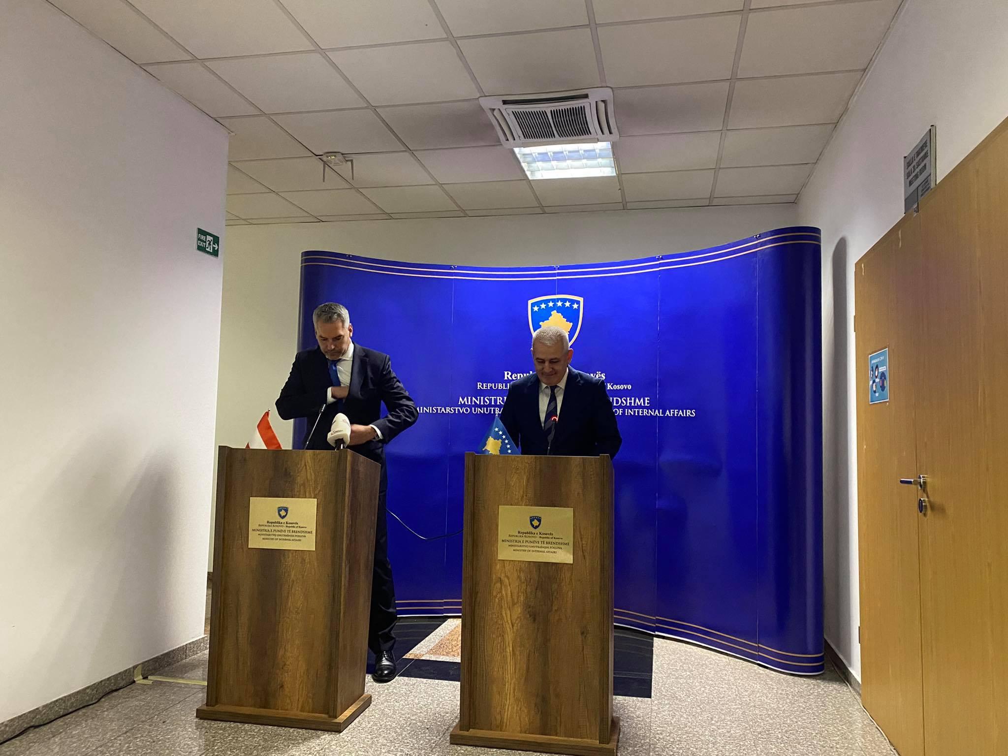 Sveçla: Ka ashpërsim të retorikës nga Serbia, prania e Policisë nuk është provokim
