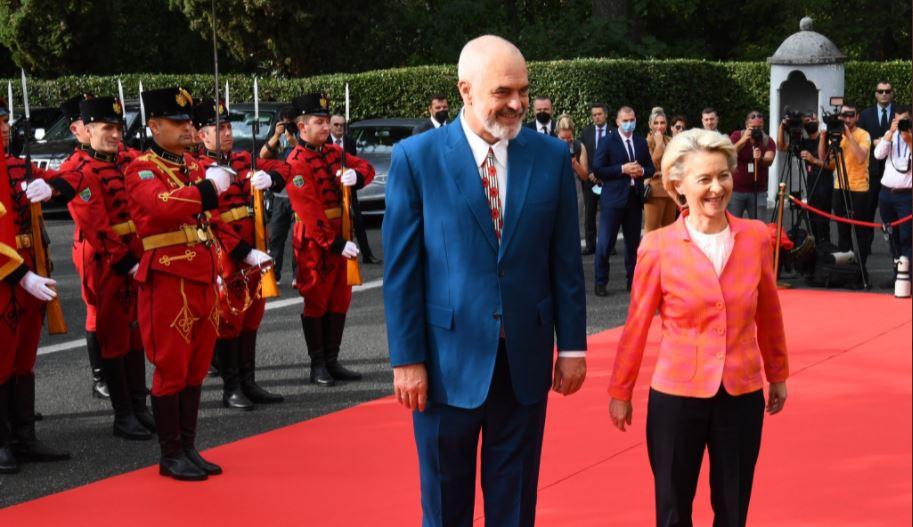 Von Der Leyen pas takimit me Ramën: E ardhmja e Shqipërisë është në BE, përparim në Reformën në Drejtësi