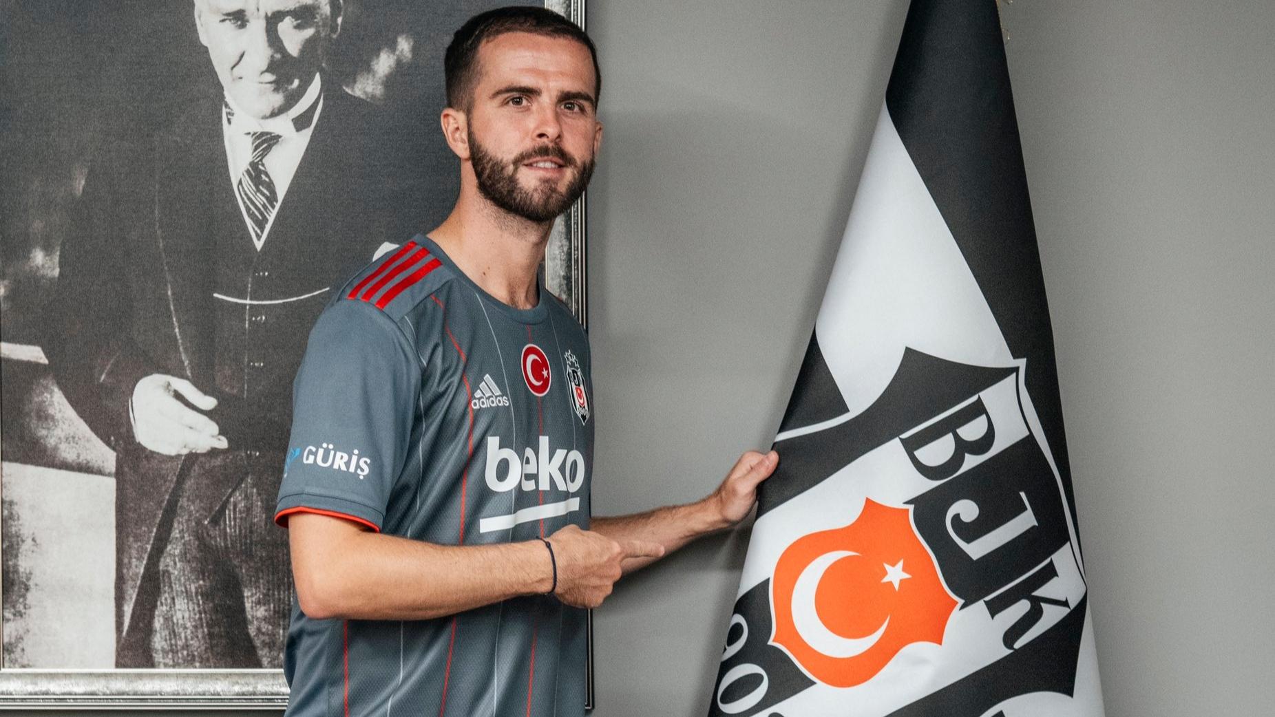 Zyrtare: Miralem Pjanic firmos me Besiktas, Barcelona çlirohet më në fund