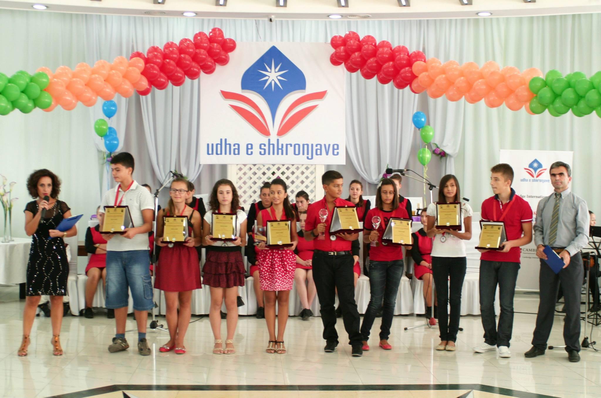 """Zgjidhni shkollën """"Udha e shkronjave"""", një shkollë e shkëlqyer ndërkombëtare e Kembrixhit"""