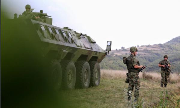 Pamje të ushtrisë serbe në Rudnicë, vend afër kufirit me Kosovën