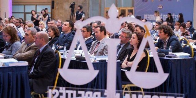 Emrat/ 6 gjyqtarë aplikojnë për 3 vakanca si anëtarë në KLGJ