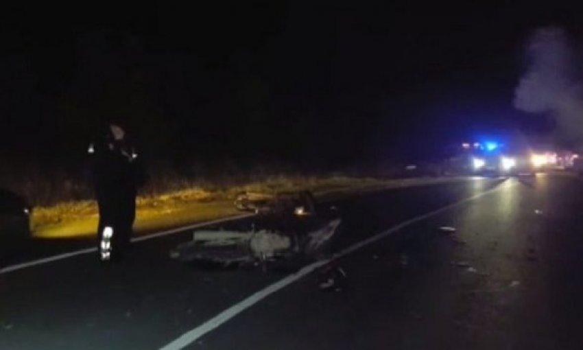Makina del nga rruga në aksin Gramsh-Cërrik, lëndohet drejtuesi i dehur