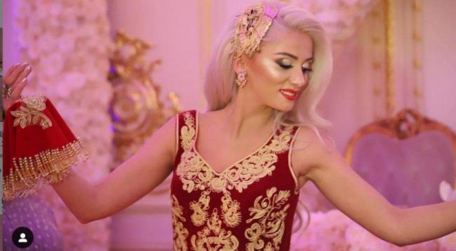 Këngëtarja shqiptare në pritje të fëmijës së saj të parë