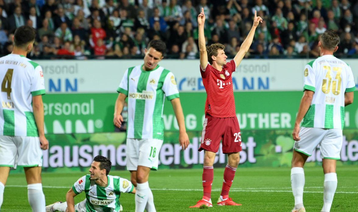 """VIDEO/ Bayern Munchen """"përbindësh"""" në Bundesliga, mund Greuther Furth me 10 lojtarë"""