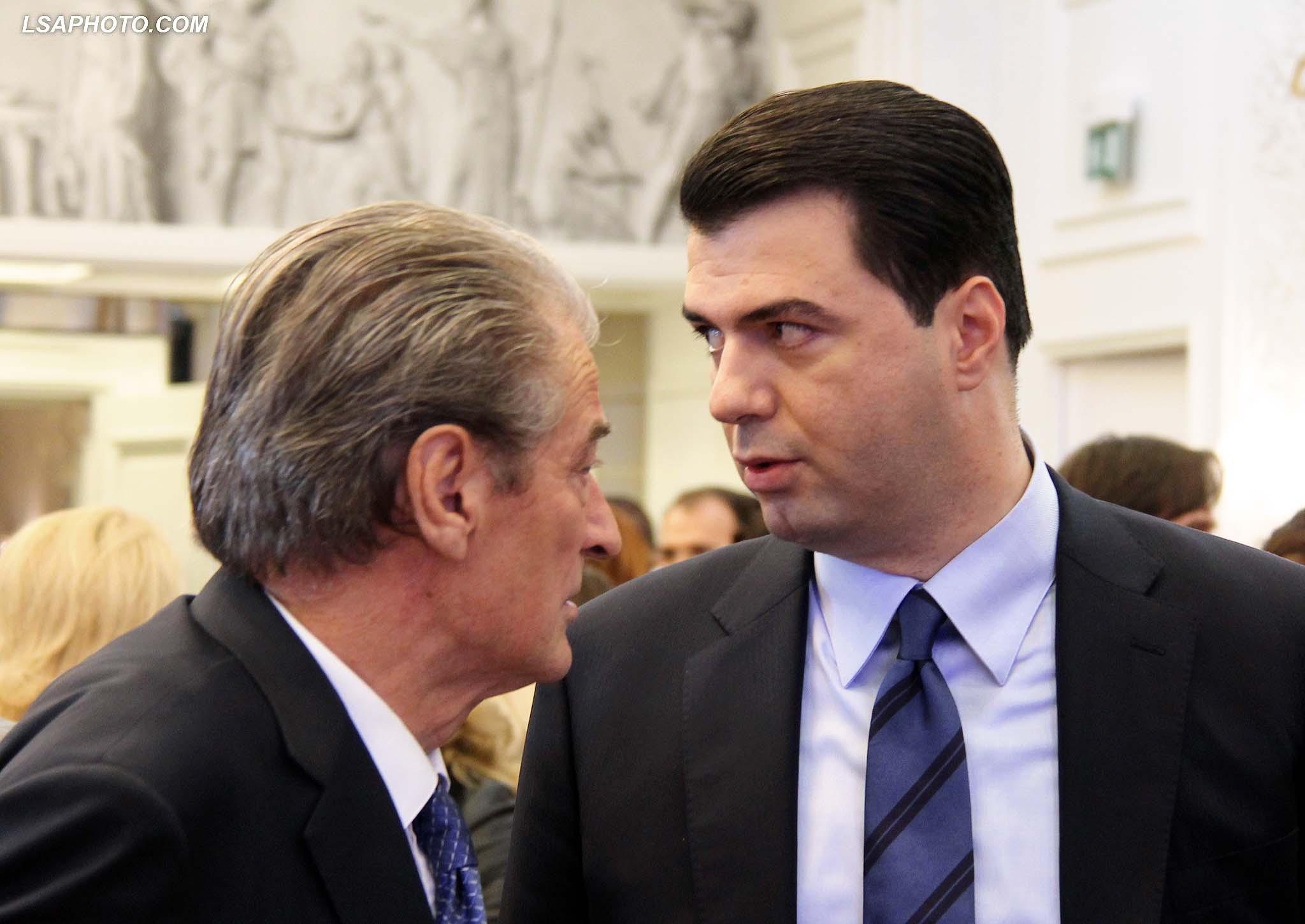 Berisha ironizon Bashën: Do shkoj në mbledhje kur të më teket, nëse vjen në pushtet do bëjë atë që bën Rama
