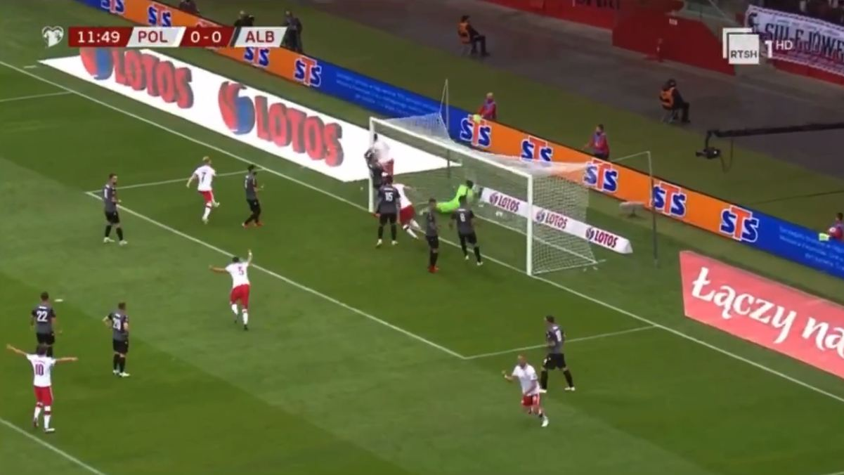 """VIDEO/ Kombëtarja """"zverdhet"""" që në start, Lewandowski na ndëshkon"""