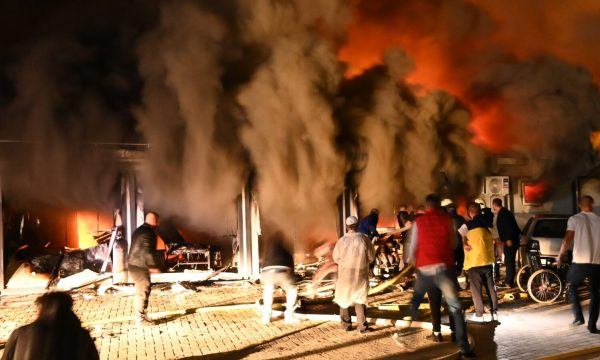 Maqedonia kërkon ekspertë nga NATO e BE për të hetuar shkaqet e zjarrit në spitalin në Tetovë