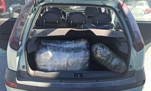127 kg kanabis në automjet, policia në Janinë arreston dy shqiptarë