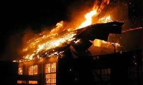 Zjarr në një banesë në Cërrik