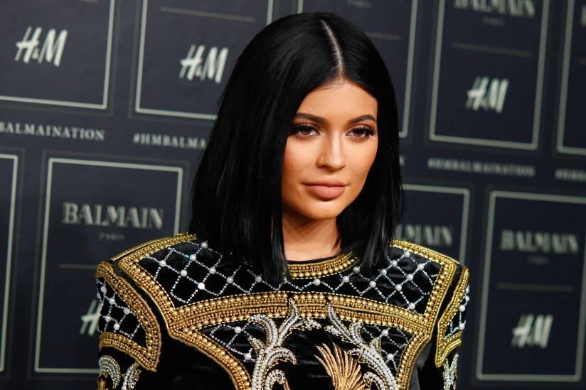 Kylie Jenner flet pasi konfirmoi shtatzëninë: Kam dashur gjithmonë të jem një nënë