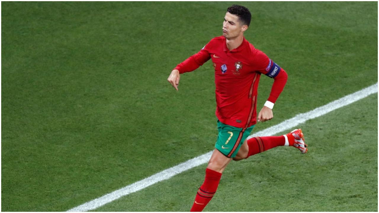 Cristiano Ronaldo në Guinness, e reklamon me krenari në rrjetet sociale