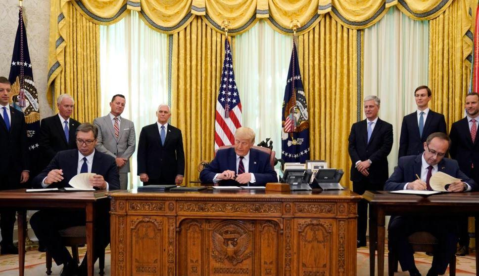 Një vit nga marrëveshja Kosovë-Serbi, çfarë u nënshkrua në Shtëpinë e Bardhë