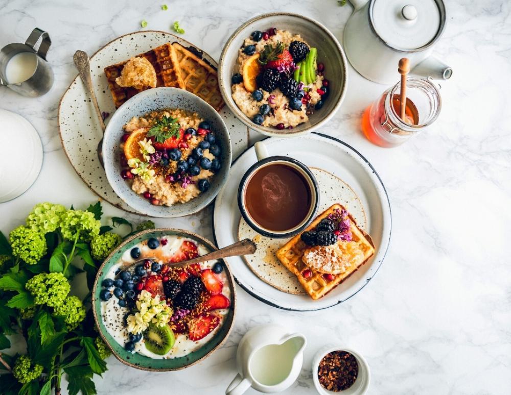 Çfarë të hani për mëngjes kur doni të humbni peshë