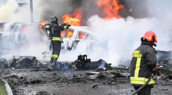 Rrëzimi i aeroplanit në Milano: Piloti ishte një nga njerëzit më të pasur në Rumani