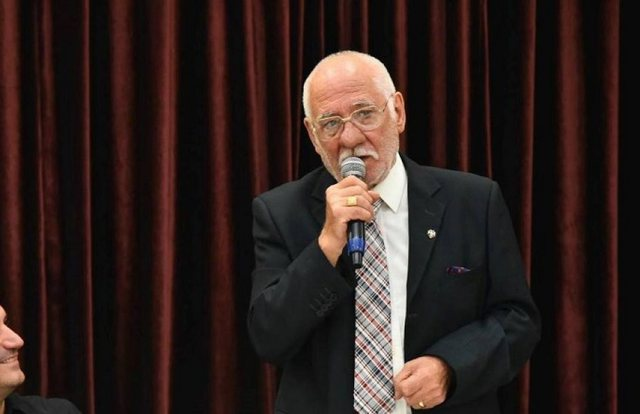 Apeli i Reshat Arbanës: T'i ruajmë njerëzit e zemrës nga virusi i rrezikshëm