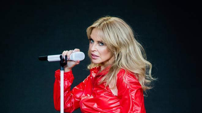 Pas 30 vitesh, këngëtarja e famshme largohet nga Britania për një arsye të fortë