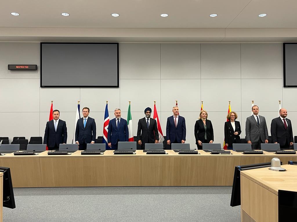 Peleshi, homologëve të NATO-s: Vëmendje më të madhe për Kosovën që është në të drejtën e saj