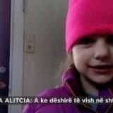 """EKSKLUZIVE/ """"Mos më merr nga mami"""", del videoja ku punonjësja norvegjeze merr me forcë dy vajzat shqiptare nga nëna"""