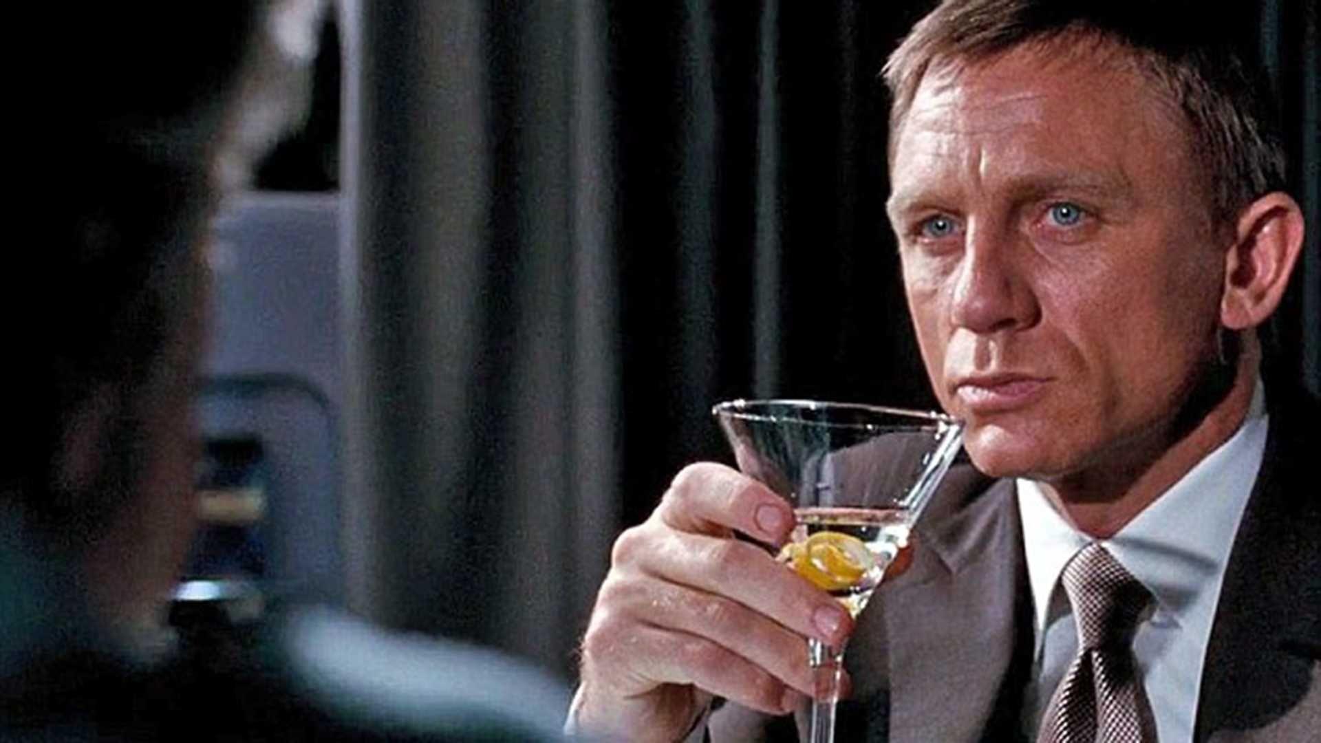Sipas studiuesve, James Bond është një alkoolist