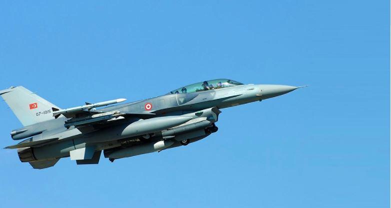 Avionët turq F16 fluturojnë mbi ishujt grekë