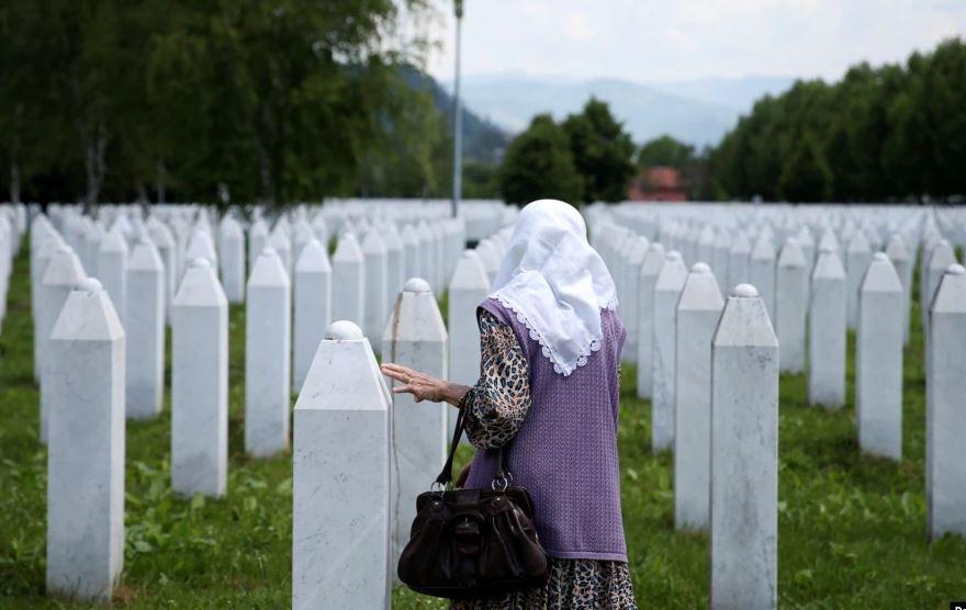Kërkohet rishikimi i kushtetutshmërisë së vendimit për gjenocidin
