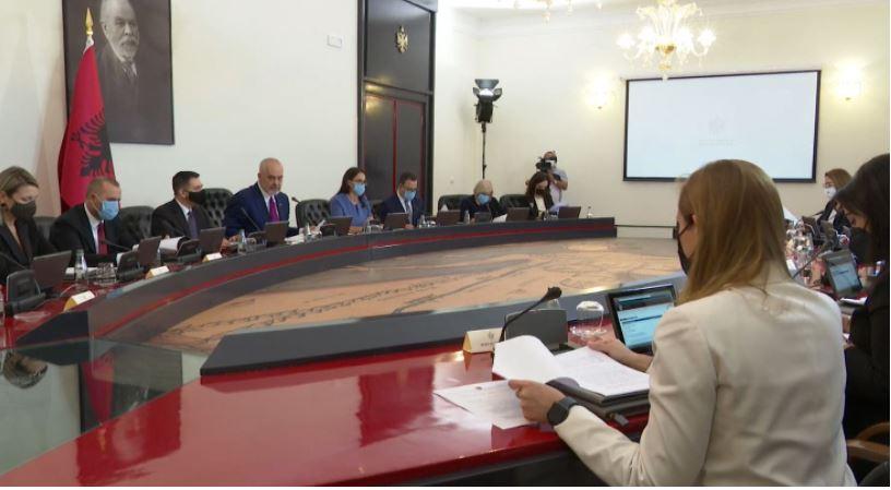Zbardhet VKM-ja: Shpallet emergjenca për furnizimin me energjinë
