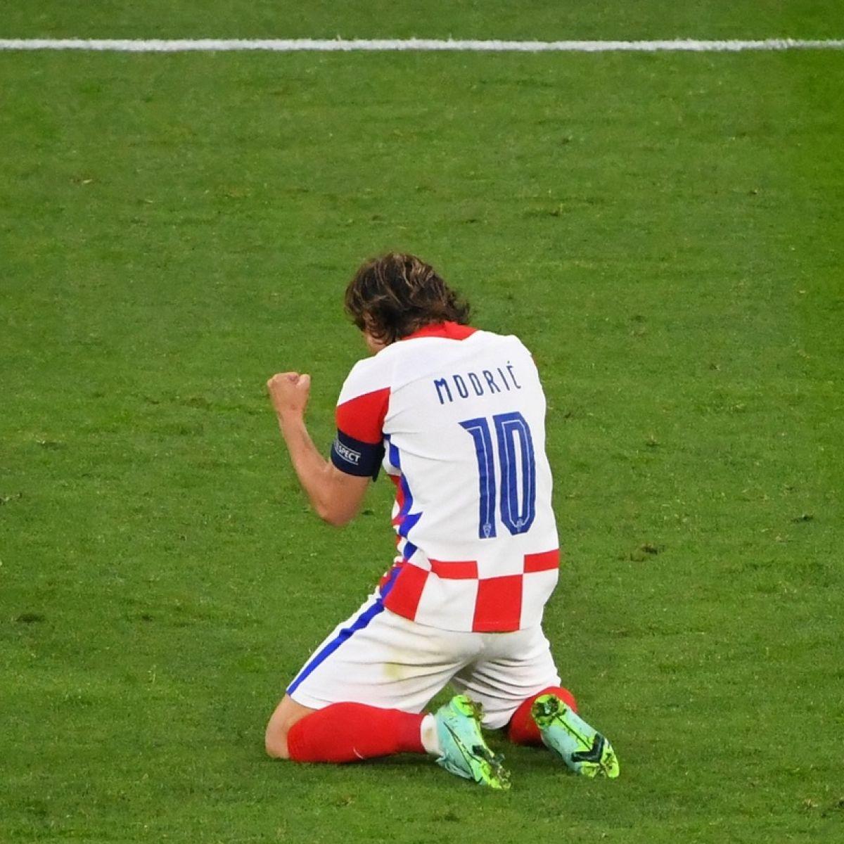 VIDEO/ Modric shpëton nga humbja Kroacinë
