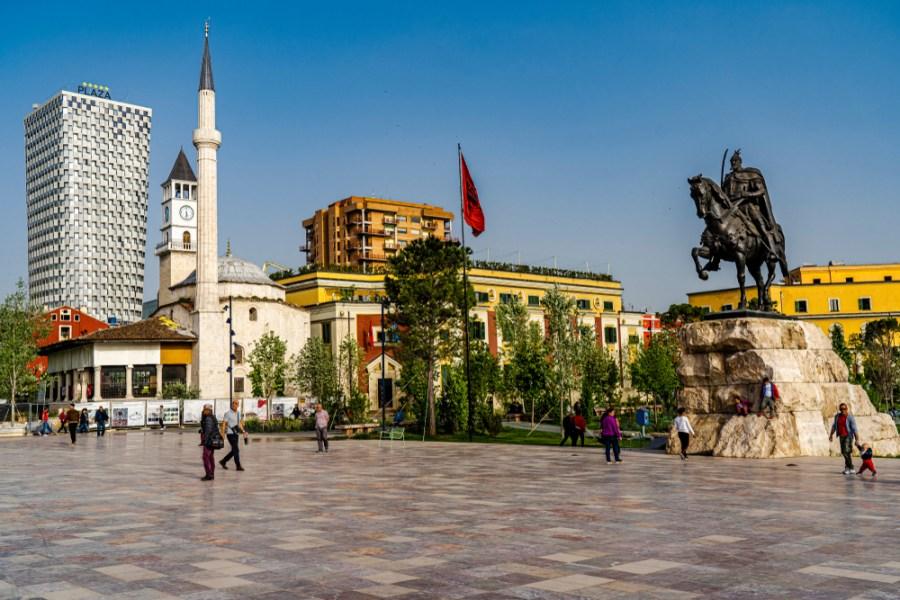 Shqipëria me popullsi më të re në moshë se BE, por po plaket me ritme të shpejta