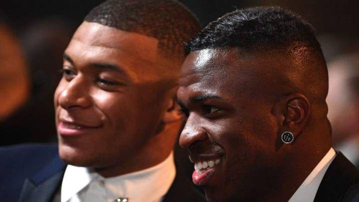 Nëse Mbappe nënshkruan me Real Madridin, PSG do të tentojë Vinicius
