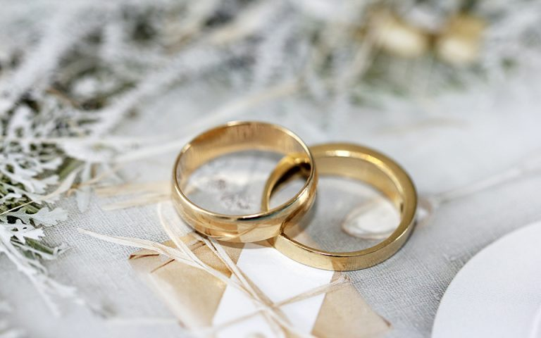 Kush fiton më shumë lekë, ata që martohen apo ata që jetojnë vetëm?