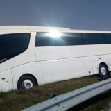 Autobusi i linjës Libohovë-Tiranë del nga rruga, lëndohet një pasagjere